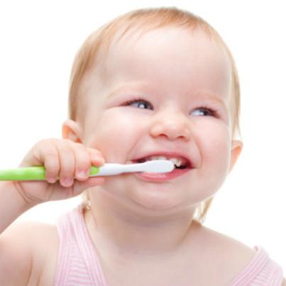 Συμβουλές για το βούρτσισμα των δοντιών στη βρεφική ηλικία